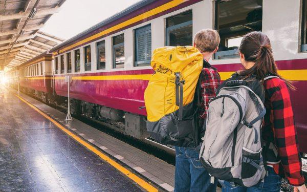 Fandomturistas mochileros estación de tren