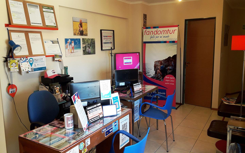 Fandomtur recibe todas nuestras consultas, pedidos y reservas.